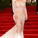 gorg! 😍 RT @eonline: Kim Kardashian at the #MetGala = 😍😍😍 http://t.co/n7ELbVtWV6 http://t.co/yxmTckAXEY