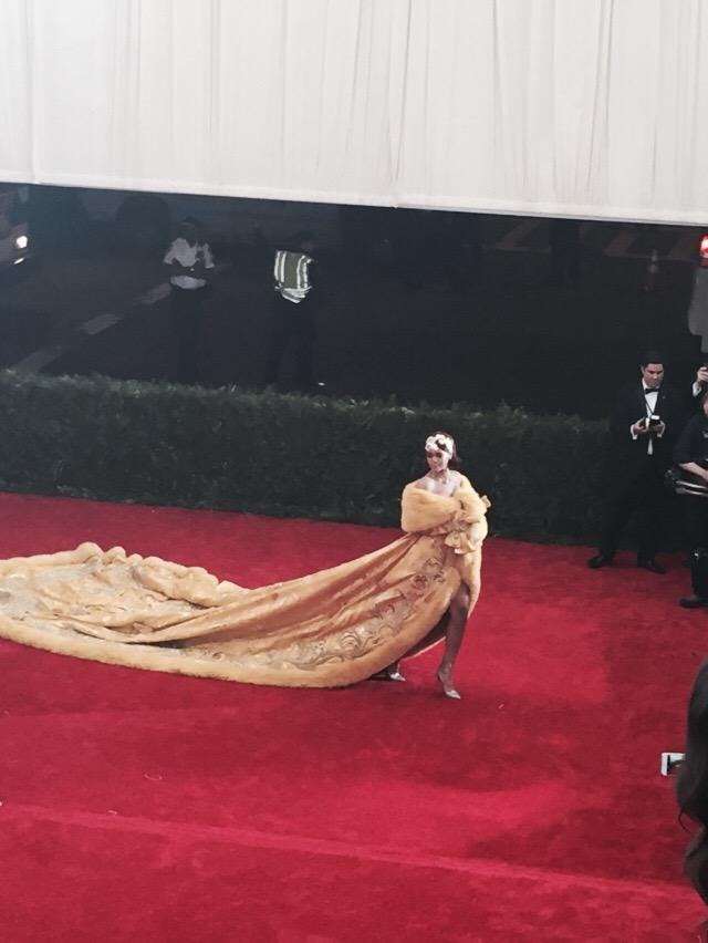 All the pictures of @rihanna at #MetGala http://t.co/ccps154nAV