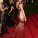 #MetGala Red Carpet: See all the looks (Photos) http://t.co/ajH6h5PvPk http://t.co/xYTpxjXt3a
