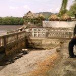 4May/socavación de muro en playa Leona en la Chorrera producto fuertes oleajes. http://t.co/cq0XkGbEyn