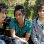 """Prohíben los peinados de punta en Irán por considerarlos """"satánicos"""" http://t.co/oZCxDblkqd http://t.co/NAOs7g4zXE"""