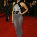 Our cover girl @ZoeKravitz on the #MetGala red carpet: http://t.co/QpsRjluqGY http://t.co/85enyPF6Zx