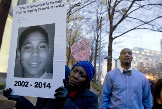 Tamir Rice's mother is living in a shelter. A fund has been started to help support her family http://t.co/OZDnaq7QqV http://t.co/1PSru68Odh
