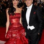 The Clooneys class up the red carpet at the #MetGala http://t.co/e6g12BG1rY http://t.co/hgipNjbwMJ