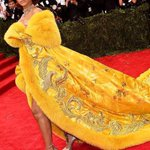 Rihanna at Met Gala 2015, her dress looks tasty #Rihanna #MetGala http://t.co/ozaxwZpocI
