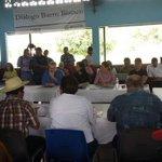 Culmina mesa de diálogo sobre Barro Blanco, evaluarán propuestas http://t.co/YYwRZjf5rB #Panamá http://t.co/AePrnE8LS1