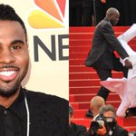 OMG... Did Jason Derulo actually fall down the stairs at the #MetGala tonight?! He responds: http://t.co/asbcf9Za8z http://t.co/DHZbWbfMUb