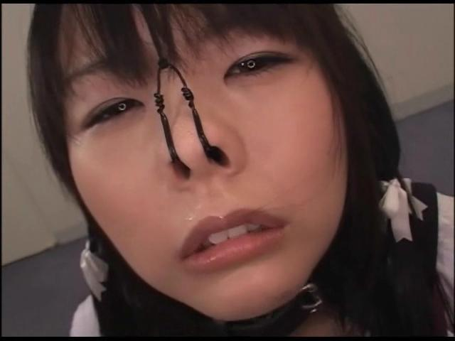 つぼみが鼻フックするとaikoになるの件、把握しました http://t.co/aLhiQhBhCL