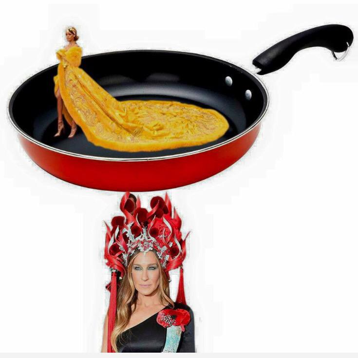 This is Hilarious! #MetGala2015 http://t.co/iOI5C3hjQC