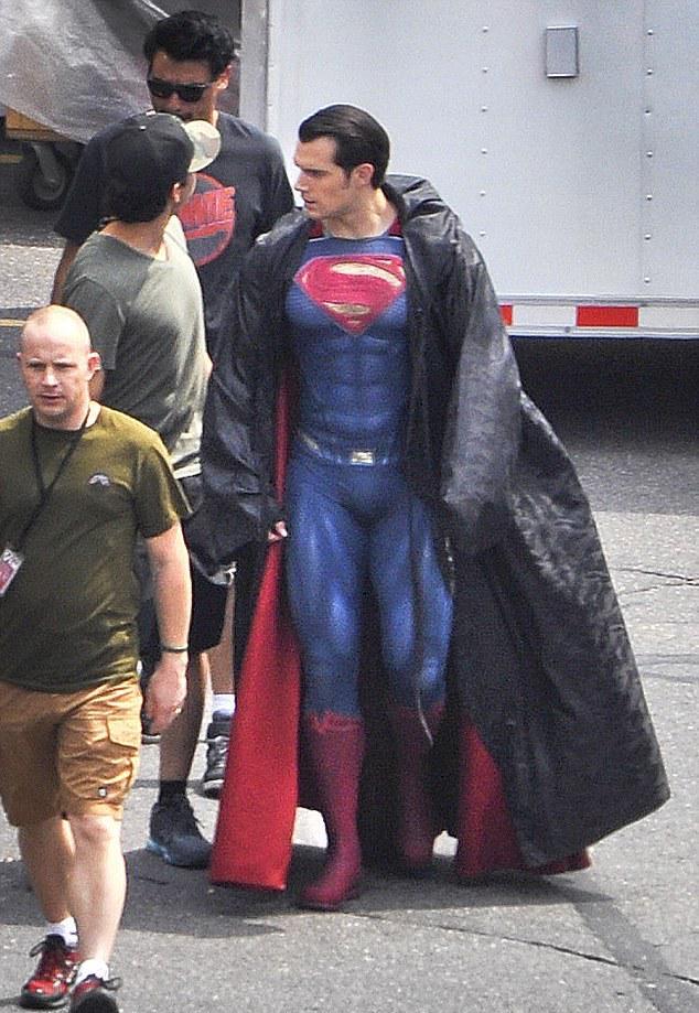 Wpid novoe foto so s emok fil ma betmen amp supermena na zare spravedlivost