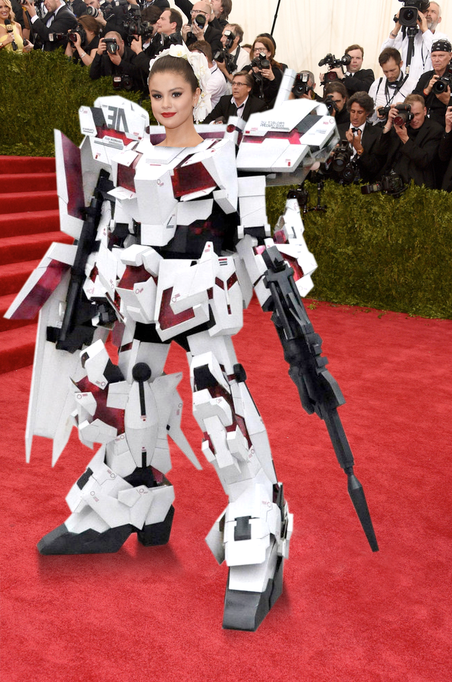 absolutely LOVE @selenagomez in this versace gundam mech suit from the #metgala last night. #STUNNING! http://t.co/fqPZ2WcuEQ