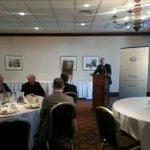Lambassadeur du Canada en France Laurence Cannon présente conférence sur le Canada #rcqc http://t.co/mDf3vIWsBV