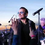 Watch @U2 surprise fans with NYC subway performance http://t.co/AxQKI3Vrh5