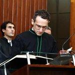 Ex-borracheiro estuda com 200 kg de resumos por 4 anos e vira juiz no DF http://t.co/zmjXRs4etI #G1 http://t.co/Nejfgkh29Q