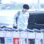 [HD PIC] 150506 ICN Airport - Yesung in blue outfit! ELF, dont u think he looks like a kid? ???? ????[4P] (Cr:@__19840824) http://t.co/rndDbSCz5T