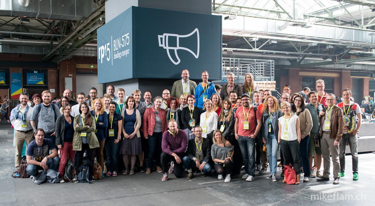 Hier ist es, das #rp15 Gruppenfoto der Schweiz! Danke, Mike Flam! http://t.co/Ekhys67sTW