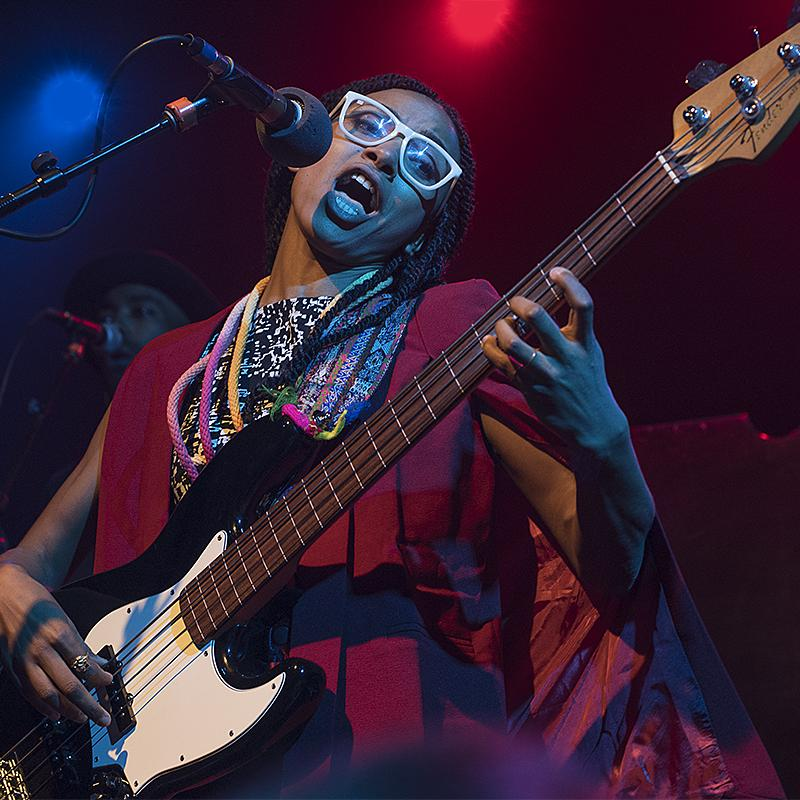 last night with @EspeSpalding // thanks for a great show! {photo by Ron Davis} http://t.co/2bo6RjzmIY