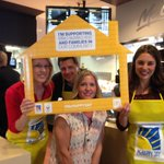 More #McHappyDay action. @MichelleLissel @TaliaGlobalNews @PeteronGlobal @RMHManitoba http://t.co/PiDMouCrtO