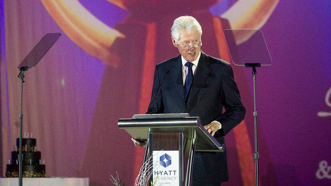 Bill Clinton Set to Speak at Univision Upfront