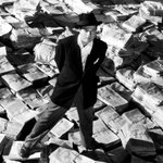 Cinema: visionário, Orson Welles completaria 100 anos hoje http://t.co/AXnnFY15eq http://t.co/UI3s68pY8T