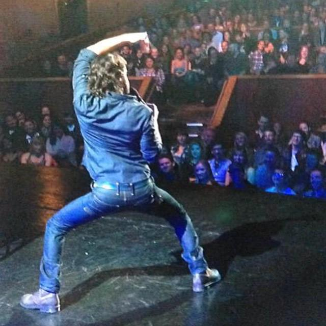 We hope @chrisdelia strikes a pose like this when he's in #SanJose this June! #flexible http://t.co/5CMS5cpG7u