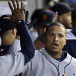 V-Mart goes yard for the 1st time this season to give the #Tigers the lead! http://t.co/6JpDFGcpSL http://t.co/0IgtWOGRhl