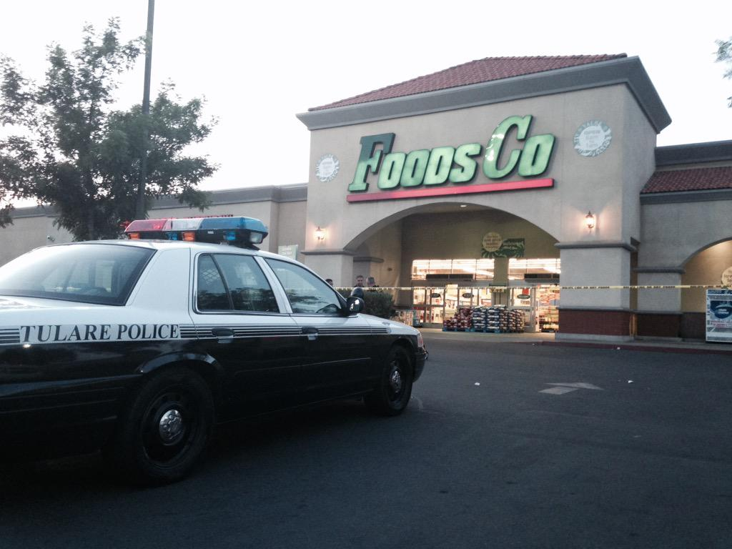 #Breaking: 1stabbed, 1shot in #FoodsCo in Tulare. Employee shot helping stab vic, police say. #abc30insider http://t.co/c44iKiVz9O