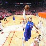 Blake Griffin drops 26 points in first half of Game 2. Clippers lead Rockets, 65-56. http://t.co/ZFg3H9NmF4