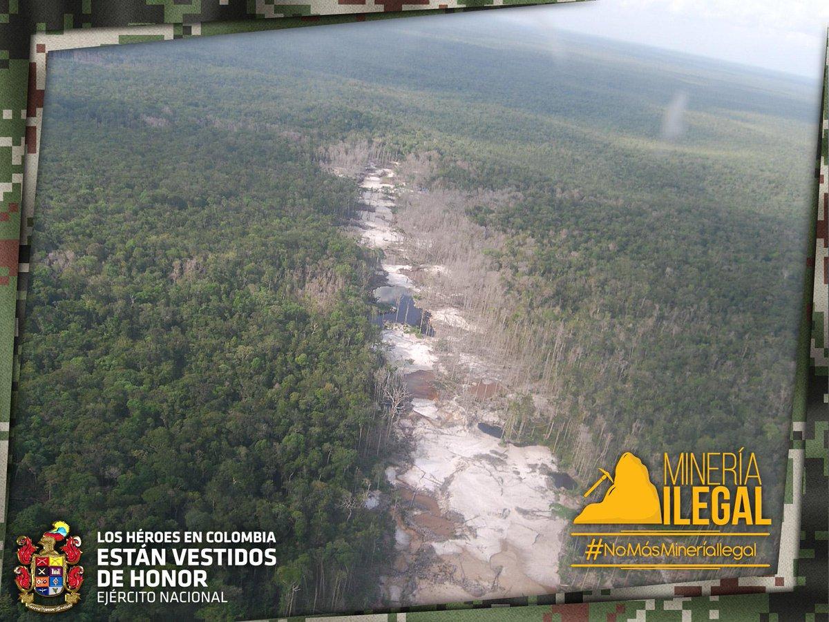 Nuestras fuentes de agua se contaminan por los químicos que se vierten durante esta actividad #NoMásMineríaIlegal http://t.co/xFO0dA80ut