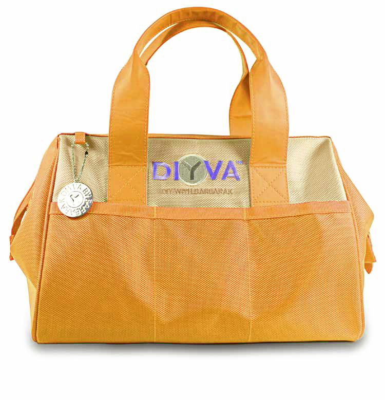 The perfect toolkit for the DIY lover who appreciates color.  #DIYVA #DIY #toolkit http://t.co/iw3PSaMq3b
