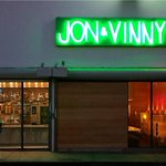 RT @LAWeeklyFood: A First Look at Jon & Vinny's on Fairfax: #Pizza, Pasta and @kanyewest http://t.co/0C9192SPsr
