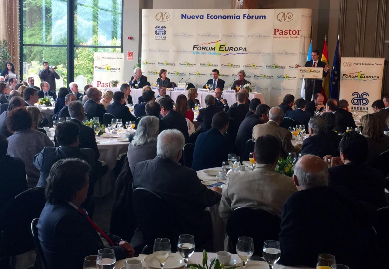 En el  Forum Nueva Economía hablando sobre el presente y el futuro de nuestra ciudad. #VIGOSI #seguenosfeitos http://t.co/lFb3AqWRrN