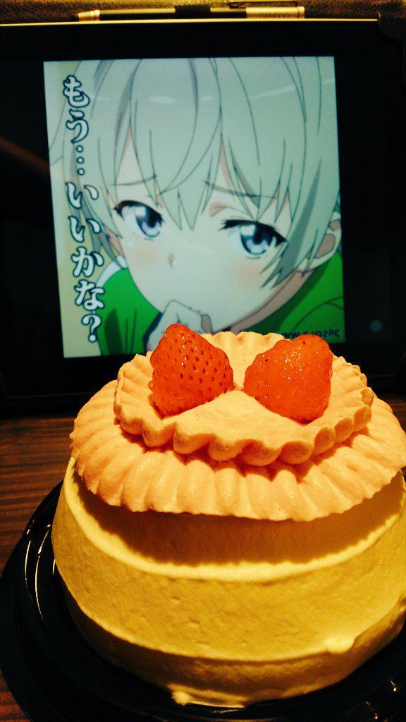 は?俺クラスのとつかわいストともなるとケーキを買って部屋で一人戸塚と一緒に戸塚のお誕生日を祝うんだが?戸塚お誕生日おめでとう!! #戸塚彩加生誕祭2015 #戸塚彩加生誕祭 #戸塚誕生祭 #とつかわいい #oregairu http://t.co/Kn1sI9Ss9w