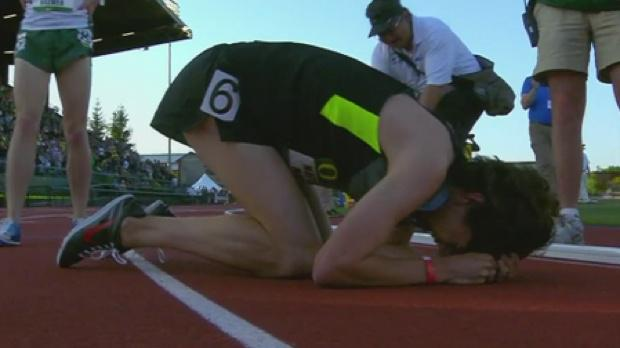.@matthewmaton1 is the 3rd fastest high school miler EVER 3:59:38!! http://t.co/So7pj5fXoU