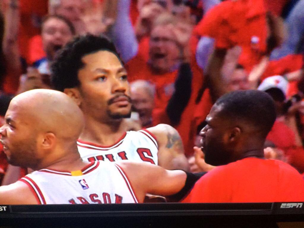 When you see ya girl celebrating w/ another dude in the stands http://t.co/ou28naFFBW