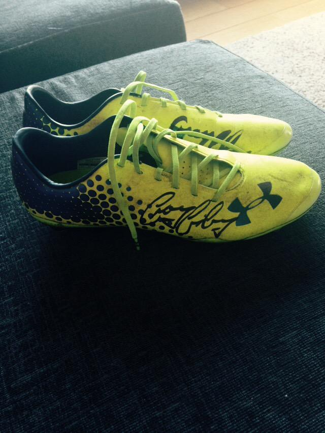 Match day Giveaway! RT & Follow @DFCBelfast for a chance to win my signed @UnderArmour boots! Winner announced tomoz! http://t.co/yziC5QhEWR