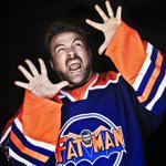 RT @thestndrd: Hey Kids! It's @ThatKevinSmith! (Applause) http://t.co/WOU1xvRetJ http://t.co/usnB45Um8j