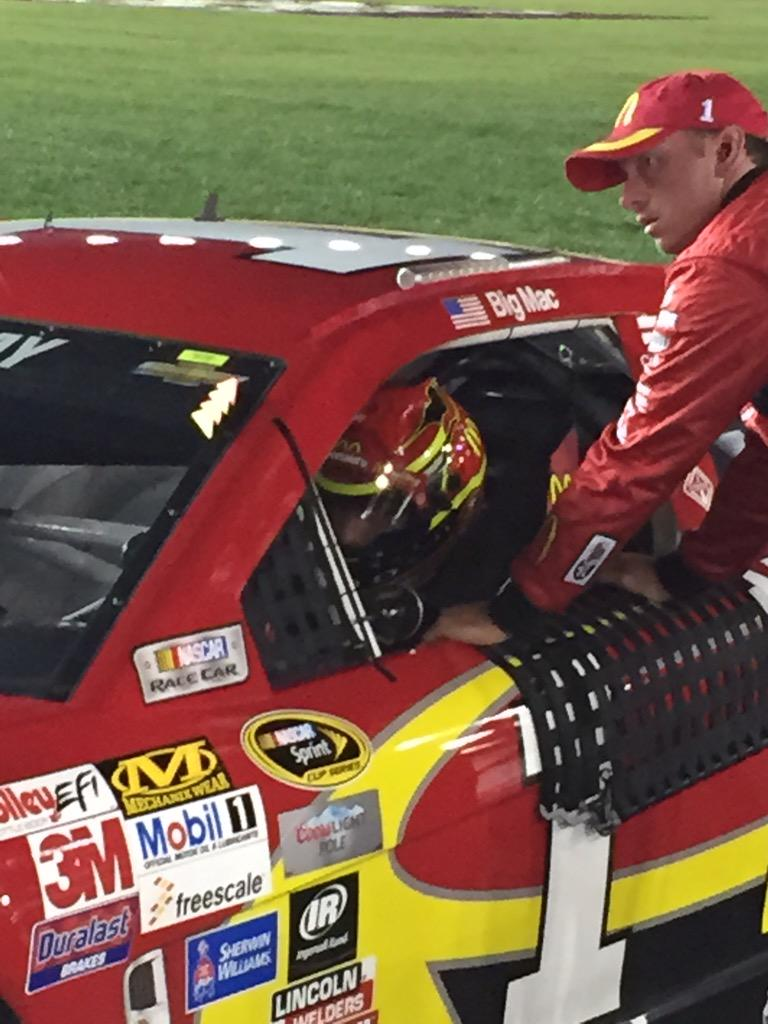 Drivers are belting in. @jamiemcmurray ready to get rolling. @NASCARONFOX http://t.co/y8YX1ig8mo