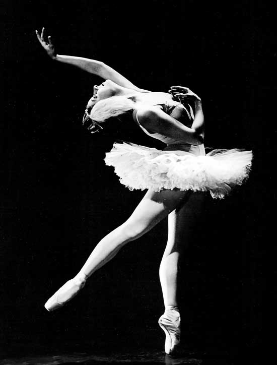 This week, @PBS will celebrate @ABTBallet's 75th anniversary with a new documentary: http://t.co/r6rsdtVVur (PC WNET) http://t.co/3AzbpbfrPb