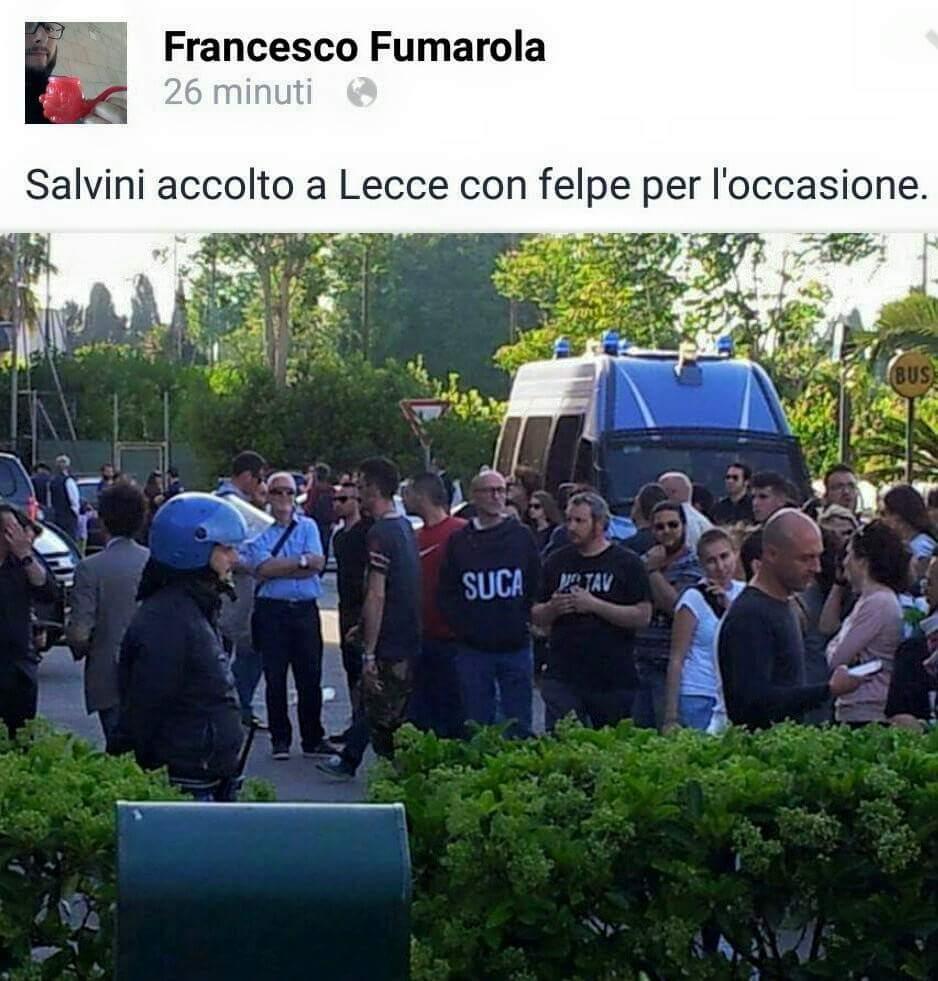 Il povero Salvini va a Lecce con la felpa SALENTO e la gente lo accoglie con la felpa SUCA http://t.co/6GerhgUSfX