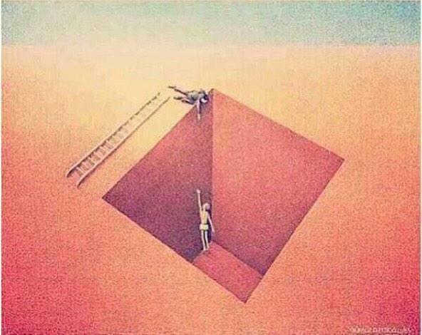ليس كل شخص يحاول مساعدتك ، البعض فقط يريد ان يتباهى امامك.  #غرد_بصورة #انفوجرافيك #صورة #معلومة #صور #غرائب  http://t.co/RUCwDCQCuG