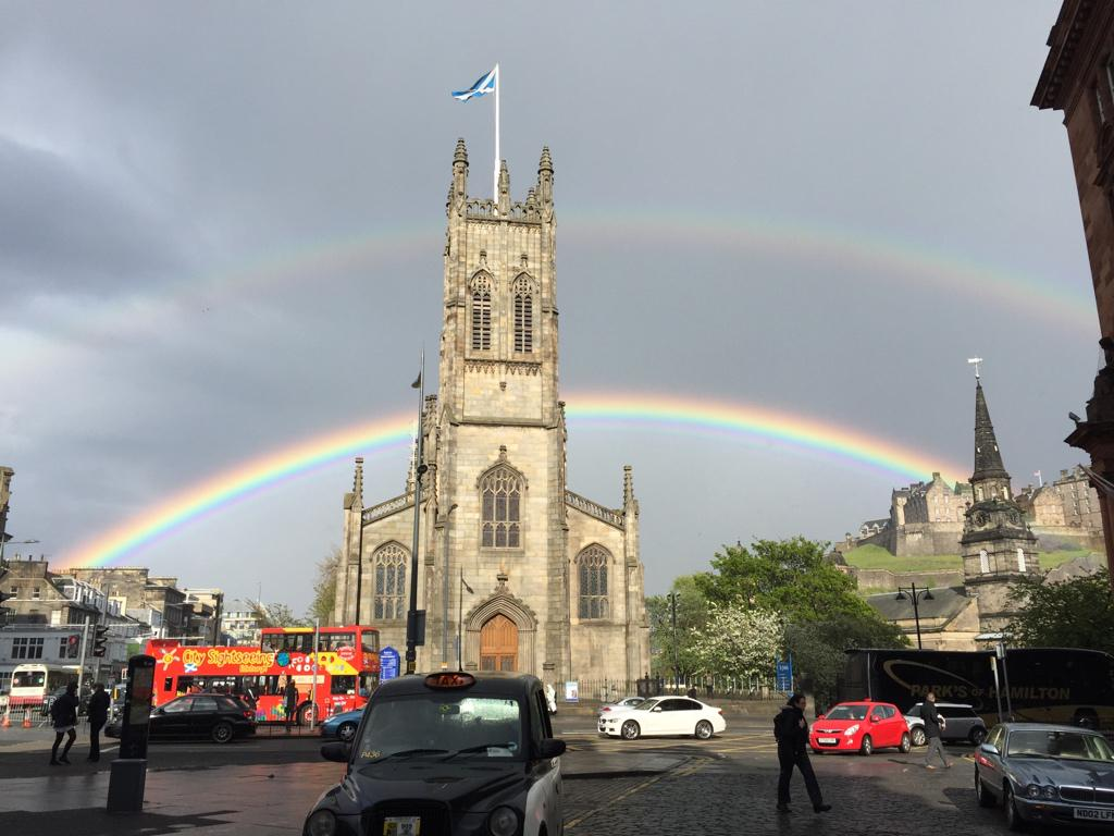 Breaking News. Pot of gold found in #Edinburgh Castle http://t.co/VPMOfGGnpe