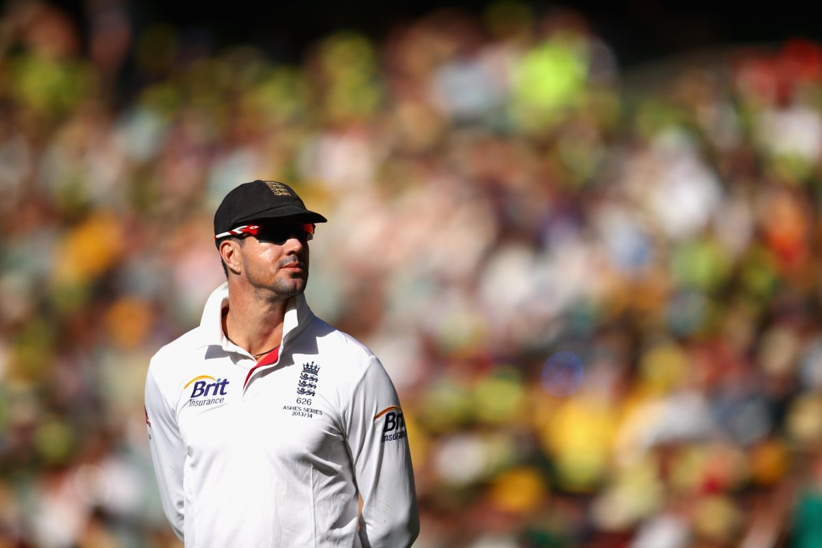 POLL: After getting 326 n.o. yesterday, do you want to see @KP24 in an England shirt again?  RT - Yes FAV - No http://t.co/UB7X8lyAgu