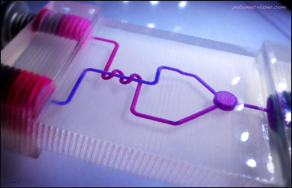 #3DPrinting comes to #BioTech w/ #microfluidic devices http://t.co/QbcnJMkS7y http://t.co/6wSyGSmPUl