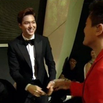 #JYP Greets #LeeMinHo during Baeksang Arts Awards after Scandal with #Suzy http://t.co/1aB47OYqxx http://t.co/PW2WMN9SLw