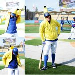 Thanks to @el_doyer_fan for giving me this awesome #RallyBanana hoodie! Gotta love true @Dodgers fans! http://t.co/hjPI2BUjK2