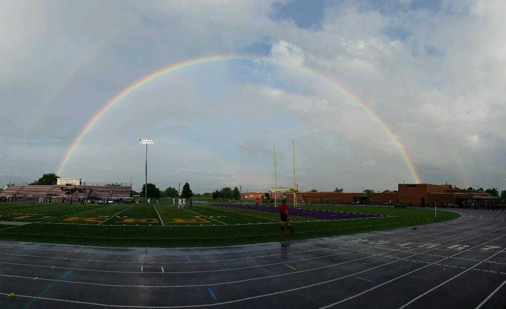 Take a look at this beautiful rainbow @J_SchaefferWOI caught over the @WaukeeCSD football field this evening! http://t.co/6osDkrDBch