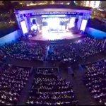 """Miles de personas elevan oraciones a Dios en el programa """"Plegaria por el Perú"""". #ADELANTE #PeruSaludable http://t.co/UGMQrCB4M0"""