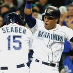 Kyle Seager hits the @Mariners first GRAND SLAM since Sept. 28, 2013. #Mariners take a 6-3 lead over @RaysBaseball http://t.co/lAcADtCF2D