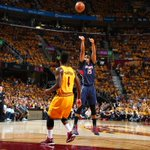 Hawks up by 3 vs Cavs at end of 1st, 24-21. LeBron James starts off slow as he scores 0 points on 0-9 FG. http://t.co/oMIAmH362c